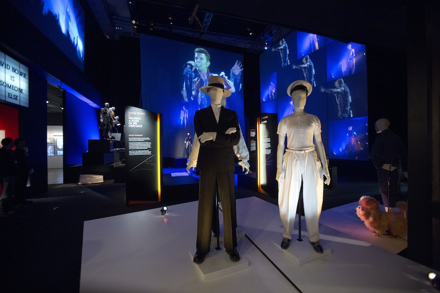 installation-shot-of-david-bowie-is-at-the-va-is-courtesy-david-bowie-archive-c-victoria-and-albert-museum-london8